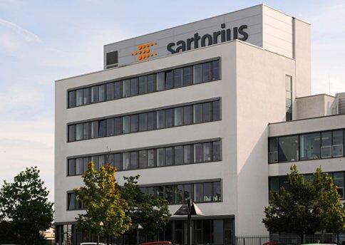 Laborgebäude Sartorius Göttingen Bauzeit: 10/2006 bis 10/2008 Schlüsselfertig
