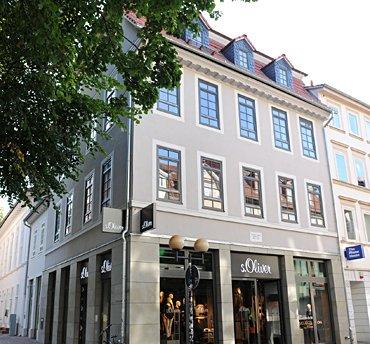 S.Oliver Weender Straße 58, Wohn- und Geschäftshaus