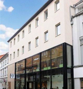 Wohn- und Geschäftshaus Barfüßer Str. 8+9, ehemals Quelle
